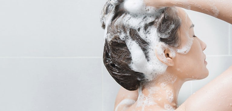 Right shampoo to Protect Your Hair and Scalp